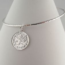 Gorgeous Handmade Celeb Style Coin Charm Bangle Sterling Silver 1917 Thrupence